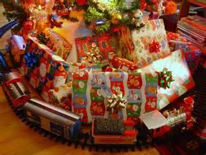 2014 Yale New Haven Hospital Employees Donates to 'r kids.